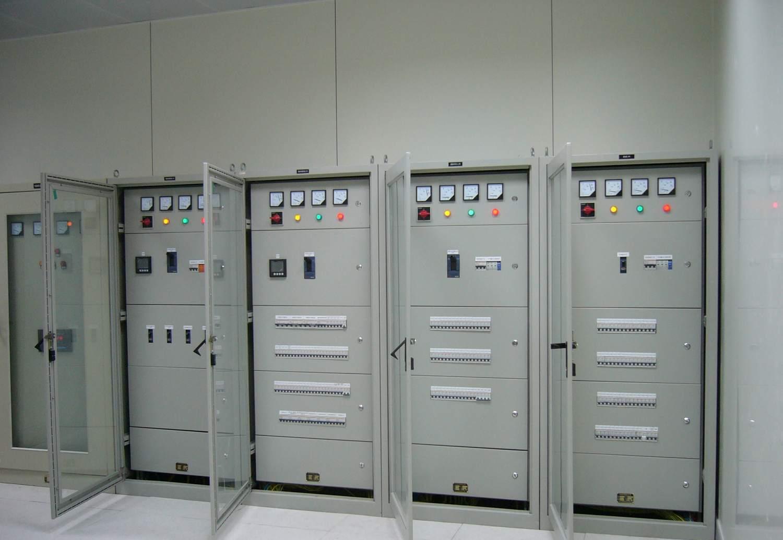 它们把上一级配电设备某一电路的电能分配给就近的负荷.